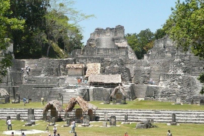 acrópole em Tikal