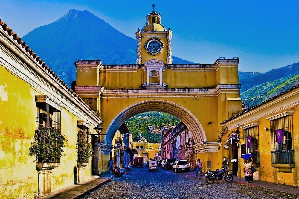 Arch Santa Catalina