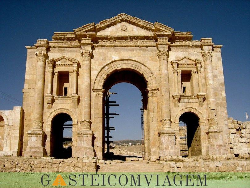arco adriano em Jerash