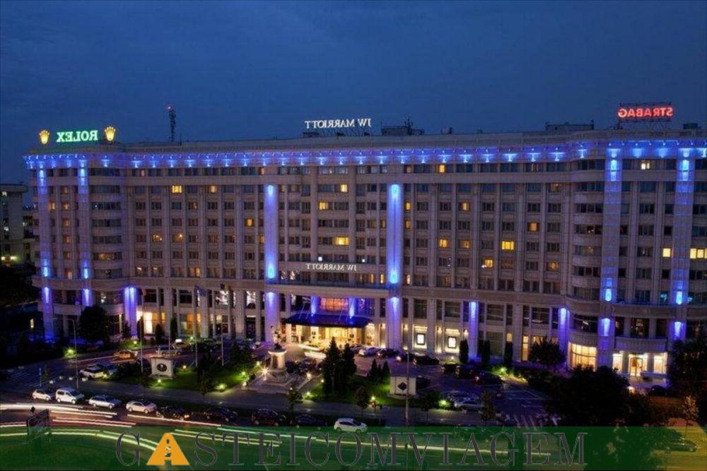 As acomodações do JW Marriott Bucharest Grand Hotel