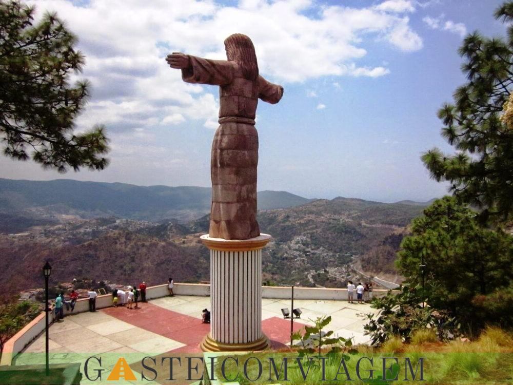 Cristo Redentor da Colina do Atache