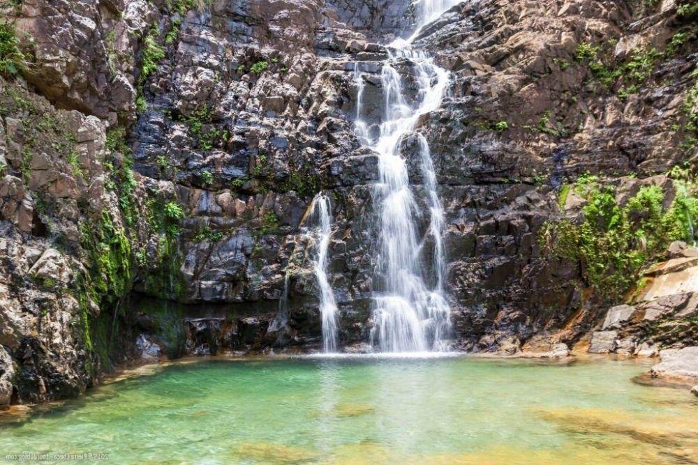 destino Malásia cachoeira Temurun
