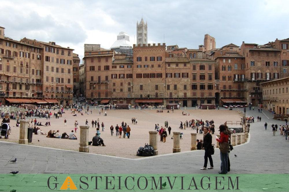 Destino Piazza de Campo em Siena