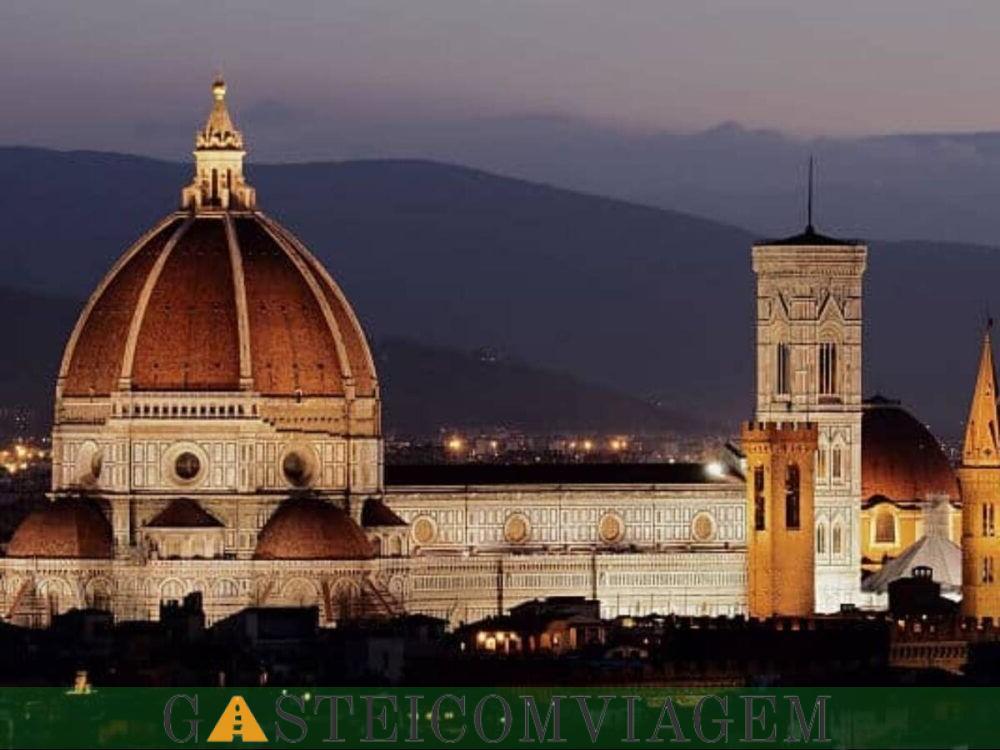 Destino Santa Maria do Fiore em Florença