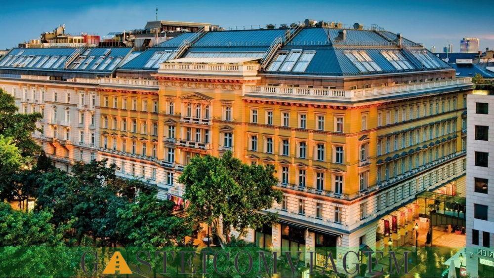 durante a noite no Grand Hotel Wien