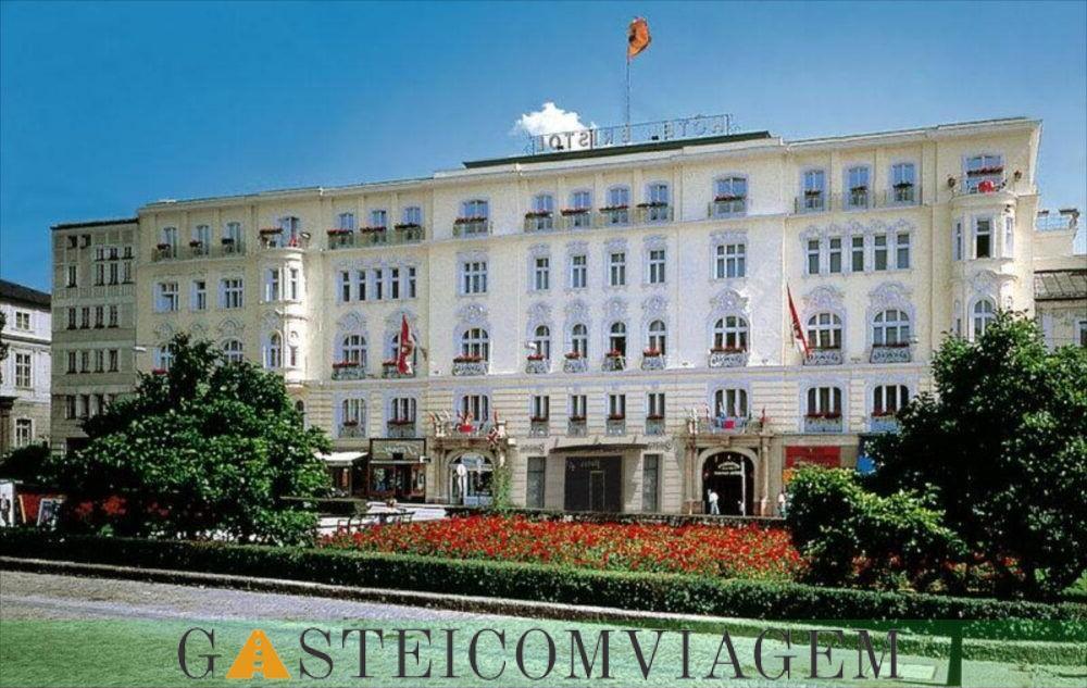 durante a noite no Hotel Bristol Salzburg