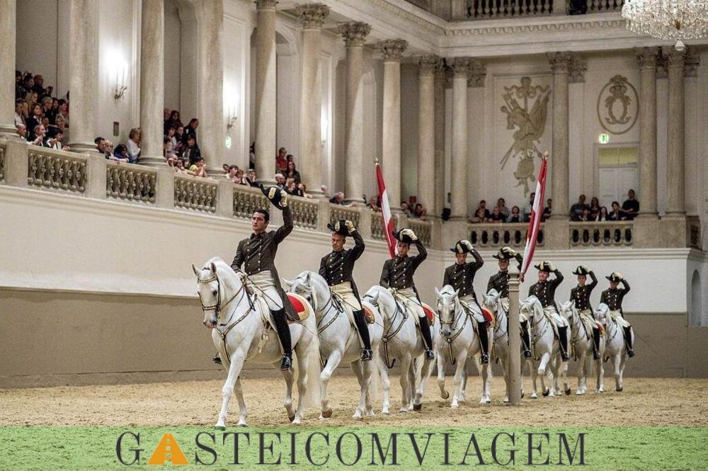 Escola de Equitação Espanhola