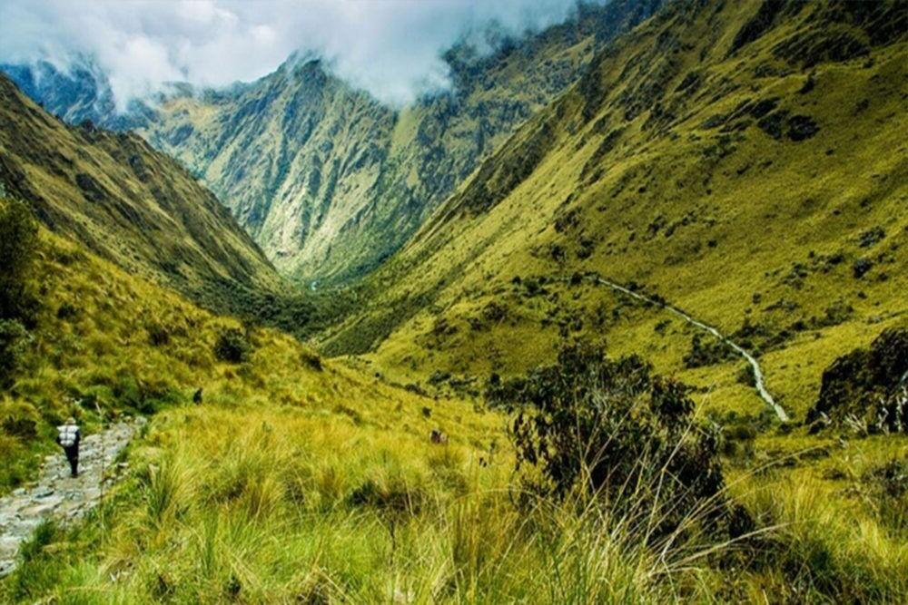 The Trail Inca nas montanhas do Peru