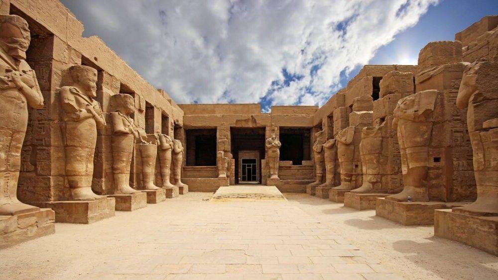 Turismo Luxor