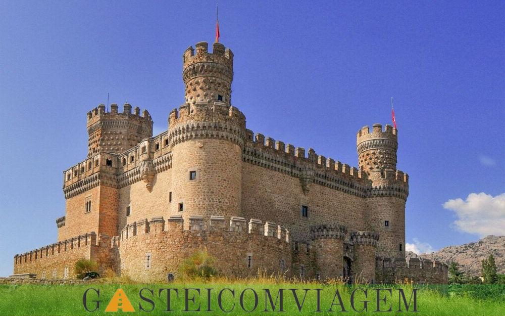 turismo New Castle Manzanares el Real Espana