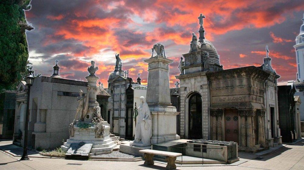 Visite o Cemitério da Recoleta